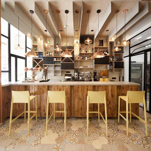 bar restaurant réalisé par un architecte d'intérieur