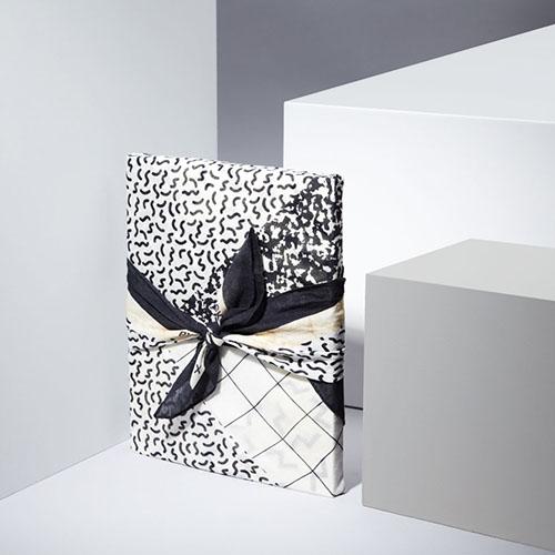 furoshiki noir et blanc tissus japonais papier cadeau