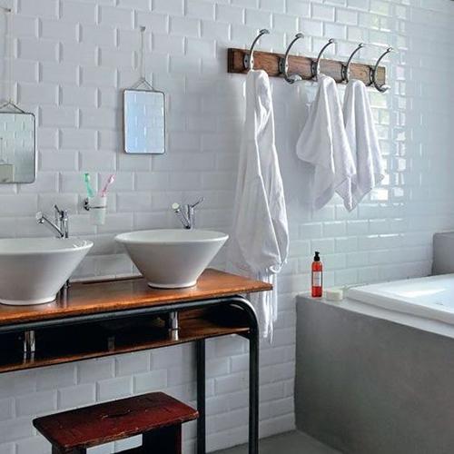 salle de bain carreau de métro, esprit vintage